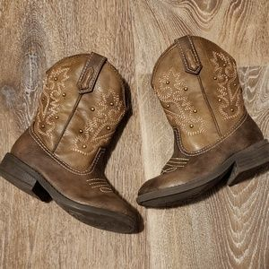 Cherokee Darcy boots